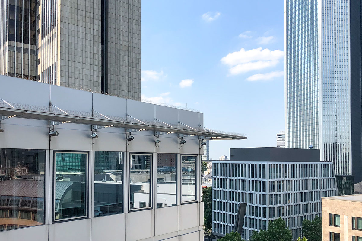 Salesforce Jobs Frankfurt - Onivation Office - Rooftop Financial District - Frankfurt am Main Skyline